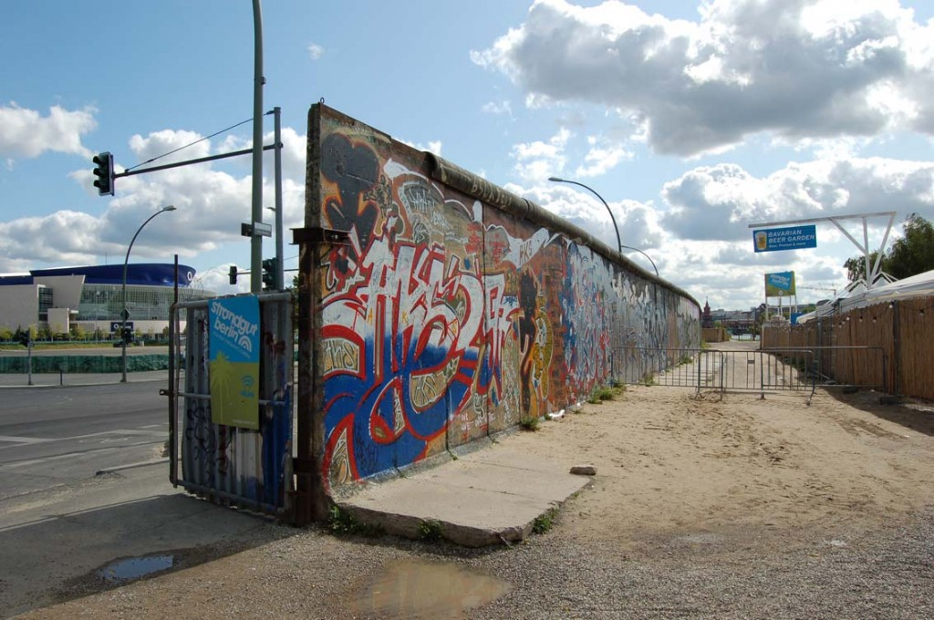 Berlin_Wall_At_Gate
