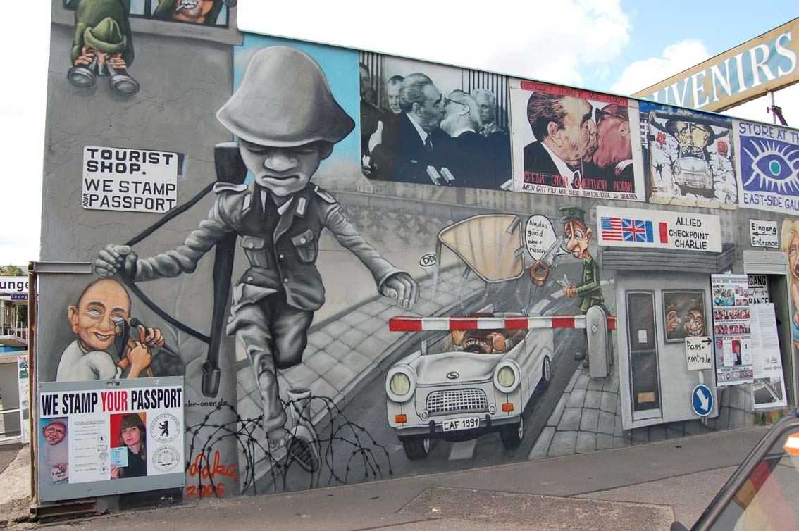Berlin_Wall_Shop_02